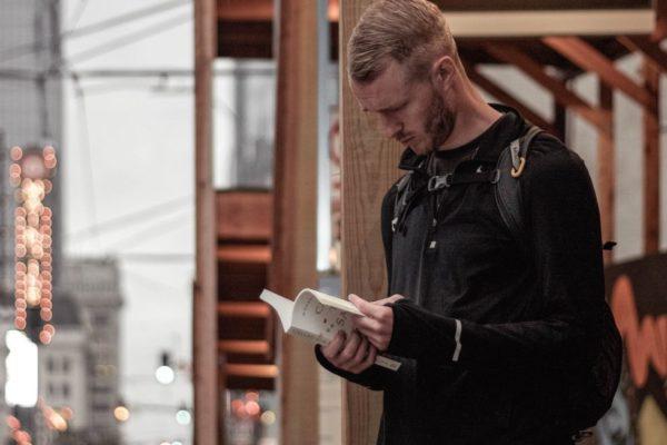 5 livros que cultivaram meu interesse pela economia