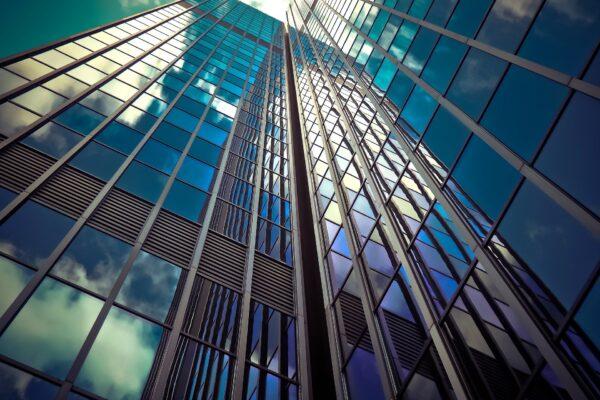 Fundos de fundos imobiliários (FOFs): vale a pena investir?