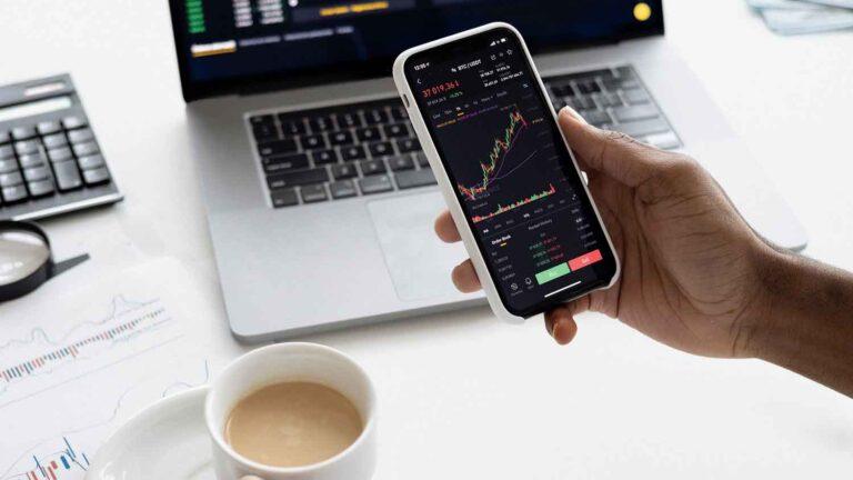 Conhecer o valor mínimo para investir em ações é importante, por isso, o seguinte artigo explica de forma simples como entrar nesse meio.