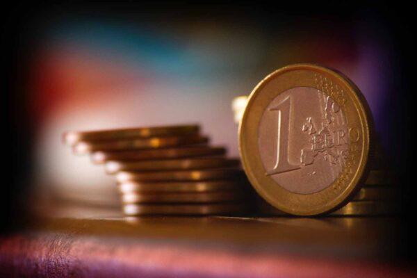 Investimento: quanto rende R$ 1 milhão na poupança?